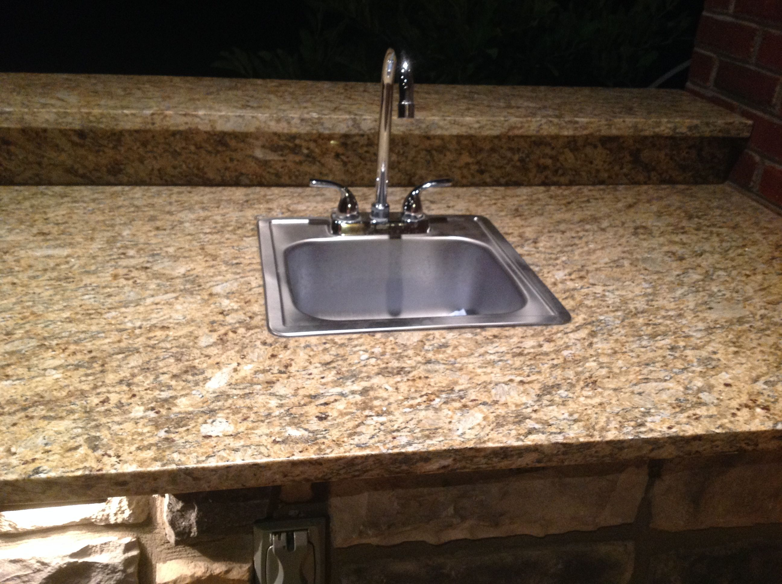 Outdoor kitchen sink interiors design for Outdoor kitchen sink